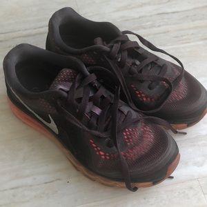 Nike AirMax 7 1/2